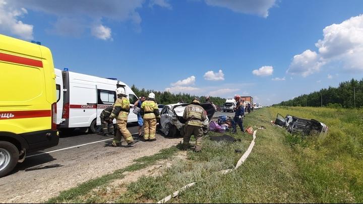 Массовая авария в Саратовском районе: пострадали шестеро детей