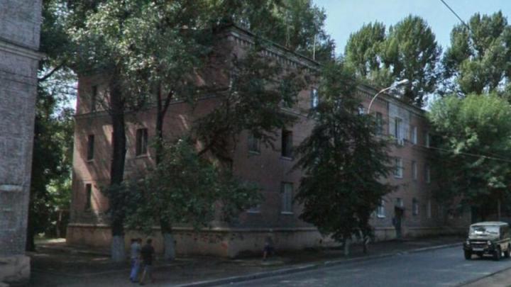 В Заводском районе Саратова снесут дом на улице Азина