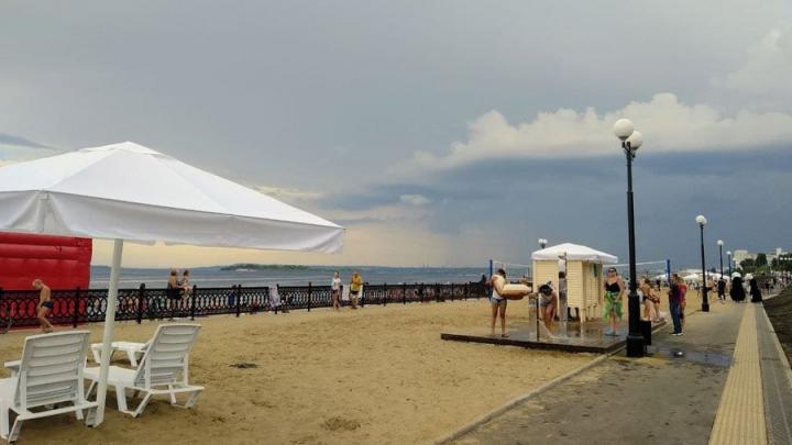На новом саратовском пляже завелись карманники
