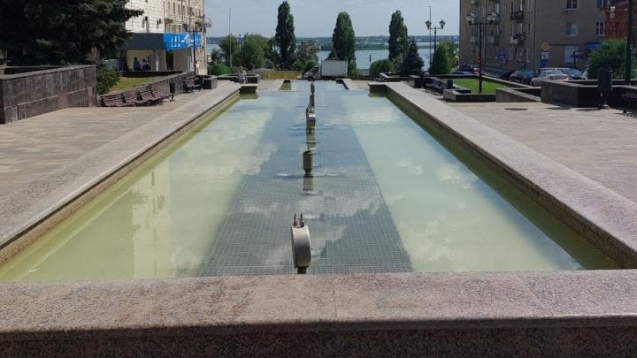 Фонтан «Каскад» отключен в Саратове в жару