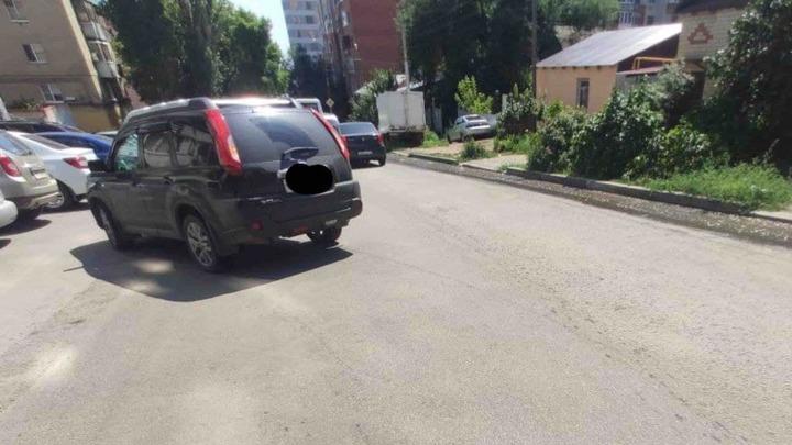 В Волжском районе под колеса иномарки попала 24-летняя девушка