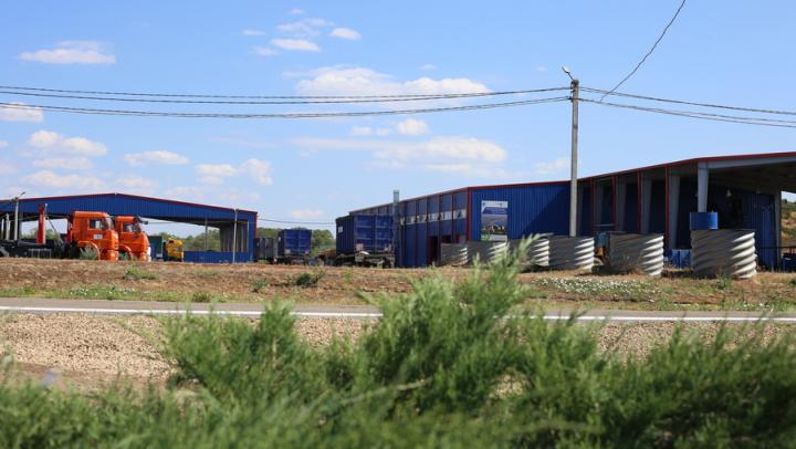 На полигоне АО «Ситиматик» в Энгельсском районе Саратовской области будут жить соколы