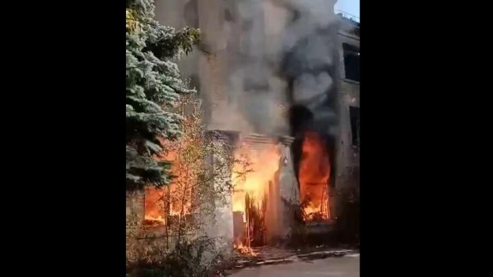 Жители Заводского района остались без интернета из-за пожара