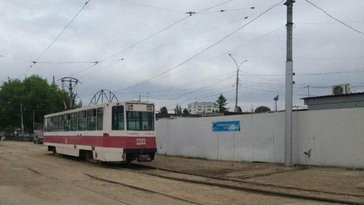 Администрация прокомментировала остановку трамвая на улице Крайней