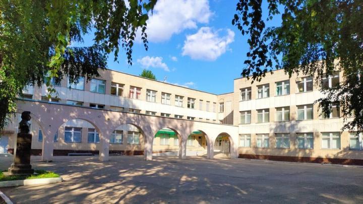 На завершение строительства школьного бассейна в Энгельсе выделено еще 5,3 миллиона рублей