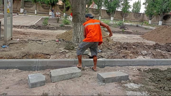В Кировском районе отремонтируют тротуары на 12 улицах за 50 миллионов рублей