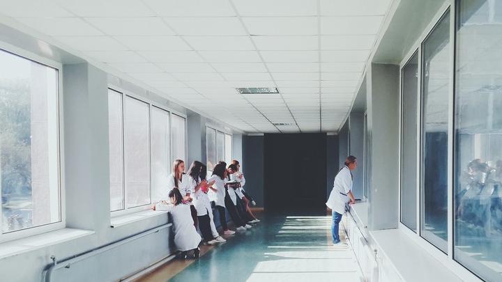 Четыре ребенка скончались от коронавируса в Саратовской области