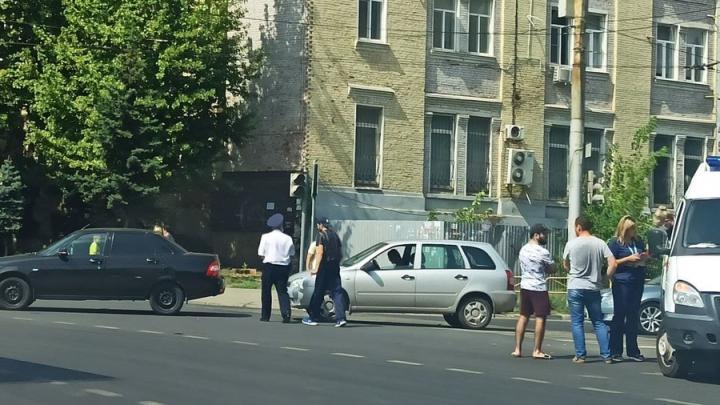 Саратовскому водителю стало плохо из-за аномальной жары и он попал в аварию