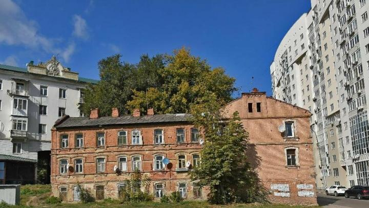 Два дома в Волжском районе Саратова избегут сноса