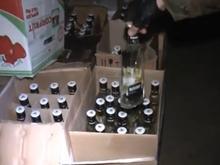 Изъятие 123 тысяч бутылок алкоголя в Саратове. Оперативное видео