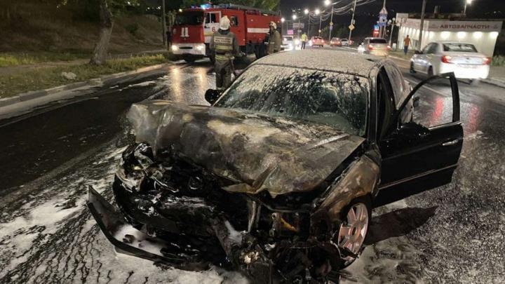 Kia сгорела на Новоастраханском шоссе