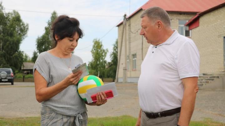 Александр Романов проверил готовность школ Балтайского района к новому учебному году