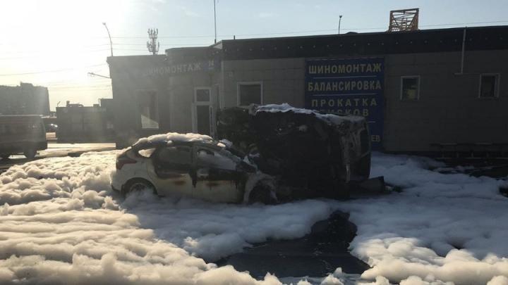 Утром в Заводском горел Ford Focus: четыре человека в больнице