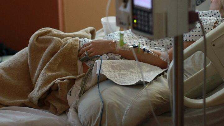 От коронавируса умерла 26-летняя родильница
