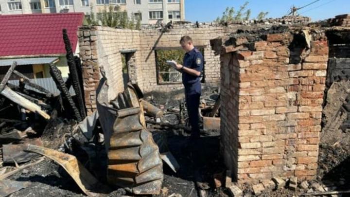 На пожаре в Октябрьском поселке погибла 76-летняя женщина