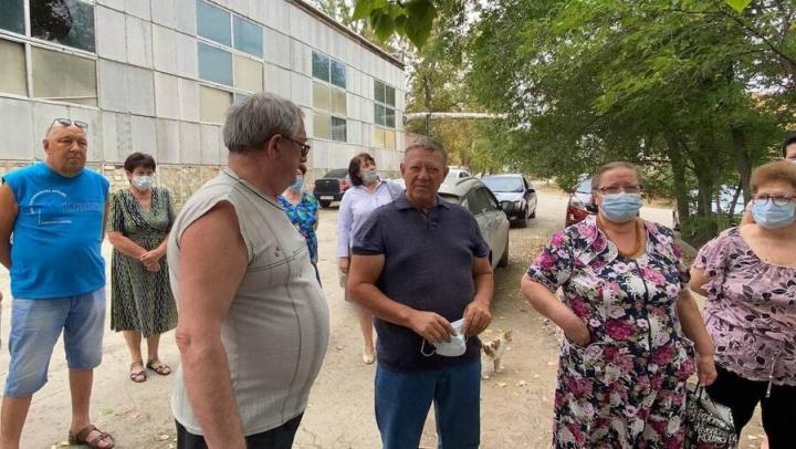 Жители Пугачева рассказали Николаю Панкову о проблемах микрорайона Карьер МВД