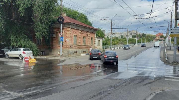 ЯндексТакси попало в аварию у моста через Глебучев овраг