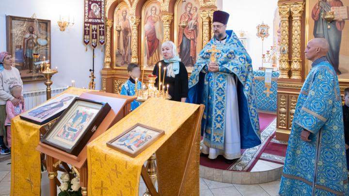 В храм на Соколовой горе передана икона с мощами Александра Невского