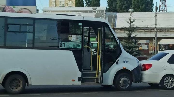 Перевозчик маршрута № 81 расследует ДТП на 3-й Дачной