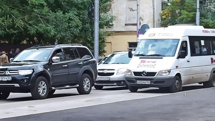 Авария на мосту обернулась пробками по Чернышевского, Большой Горной и до Затона