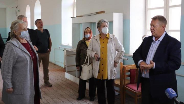 Панков предложил восстановить здание детдома и отремонтировать тротуары в Воскресенском