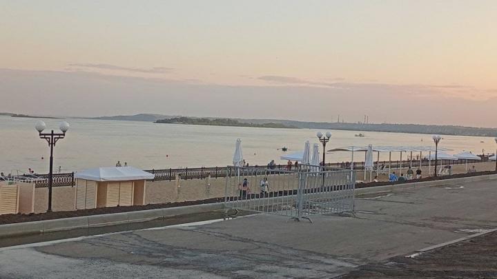 Новый пляж в Саратове снова открылся после окончания купального сезона