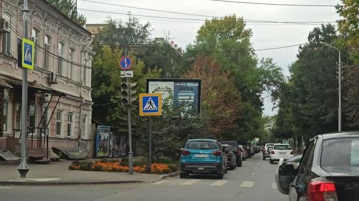 Неисправные светофоры создали затор в центре Саратова