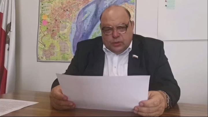 Министр призвал саратовцев звонить в минздрав, если в поликлинике не берут трубку