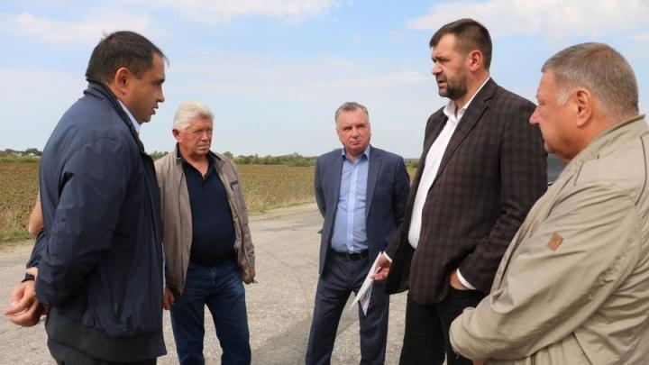 Состоялось выездное совещание рабочей группы по вопросам ремонта дорог в Балтайском и Базарно-Карабулакском районах