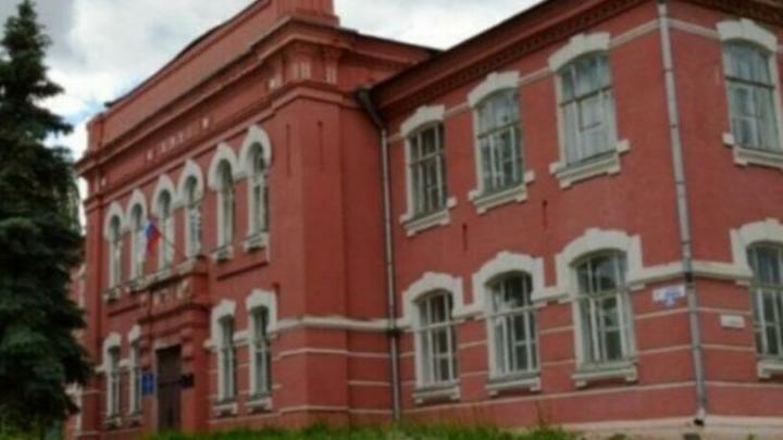В мужской гимназии 1911 года в Марксе отремонтируют цоколь