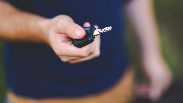 Саратовец угнал автомобиль, чтобы доехать до дома