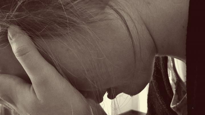 Маленькая девочка подверглась насилию со стороны сожителя родной бабушки