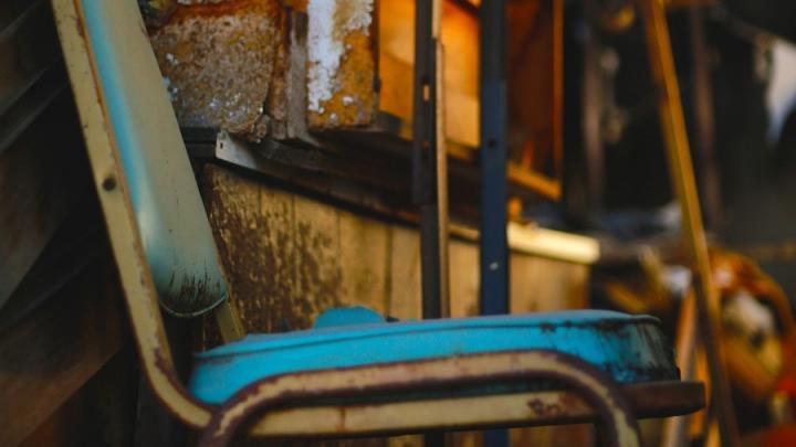 Неизвестные подожгли хлам в девятиэтажке в Энгельсе