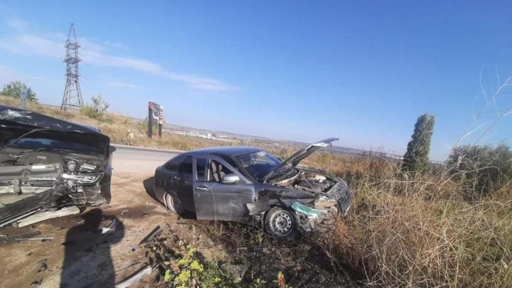 В Саратове две женщину пострадали в аварии с Audi