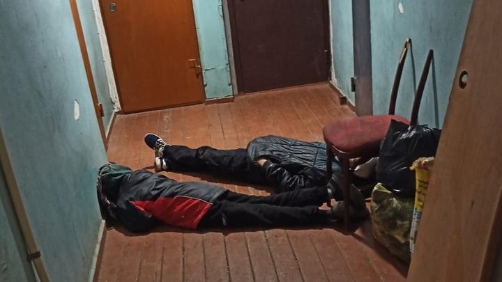 Дети ночевали в подъезде дома в Балаково