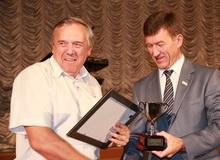 Валерий Радаев наградил лучших строителей и напомнил об их долге