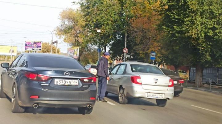 У «Горгаза» в Заводском столкнулись «Лада» и иномарка