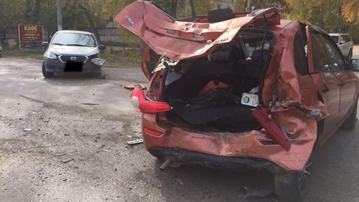 В тройной аварии в Ртищеве пострадала женщина-водитель