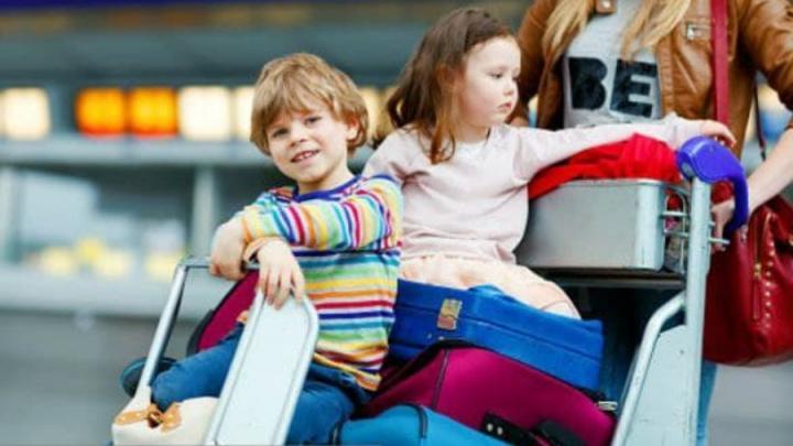 Изменены правила выезда детей за рубеж