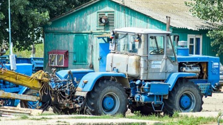 Пьяный рабочий решил угнать трактор у фермера