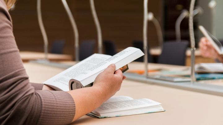 Меньше половины саратовских выпускников идут в 10-е классы