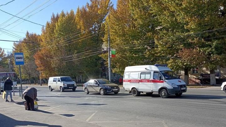 Ковидом заболели еще 378 жителей Саратовской области