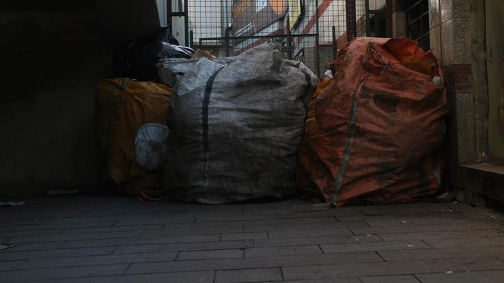 Ночью на Тархова горел мусоропровод