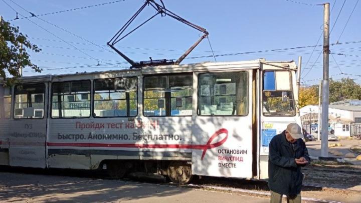 В Октябрьском поселке из-за ДТП встал 10-й трамвай