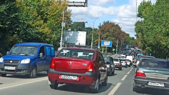 Улицы Саратова стоят в шестибалльных пробках