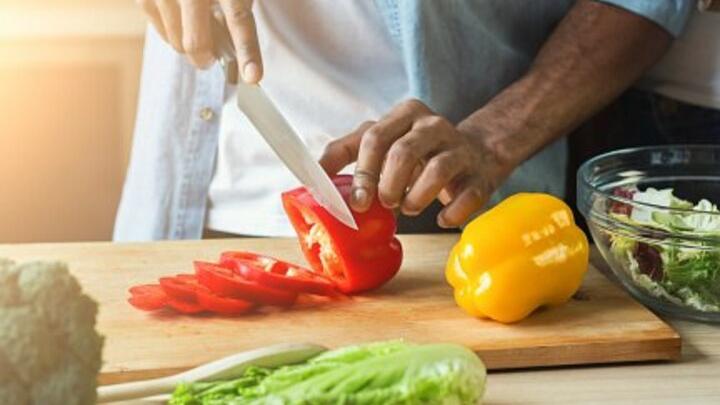 Приготовление овощного салата чуть не обернулось жестоким убийством