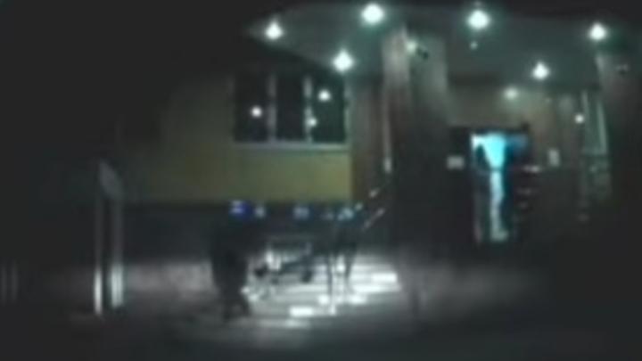 В Саратове завели уголовное дело на мать, протащившую восьмилетнюю девочку по лестнице