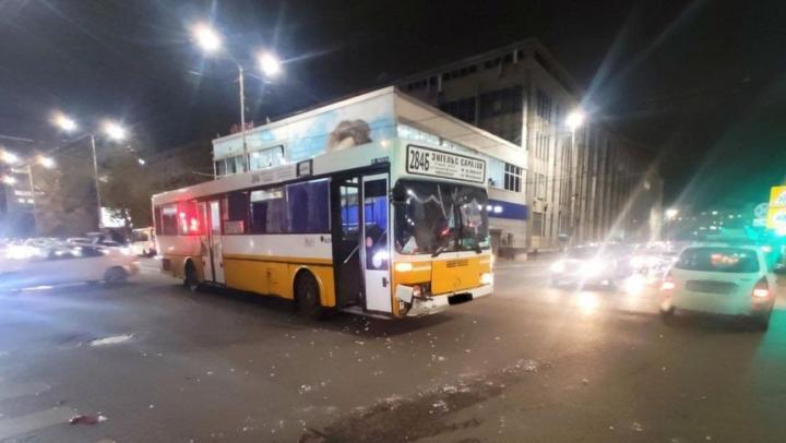 Пассажирка автобуса попала в больницу после аварии на Московской