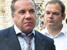 Грищенко принял слова благодарности за ремонт двора на Бакинской