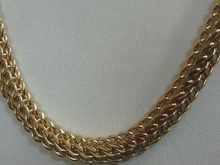 В поселке Солнечный у жителя золотое украшение отобрал собственный сосед